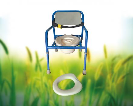Een toiletstoel en toiletverkleiner is ook aanwezig in het zorgvrij vakantiedomein La Grande Roche