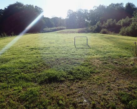 Op de camping La Grande Roche kan je naar hartenlust uitleven op het voetbalveld